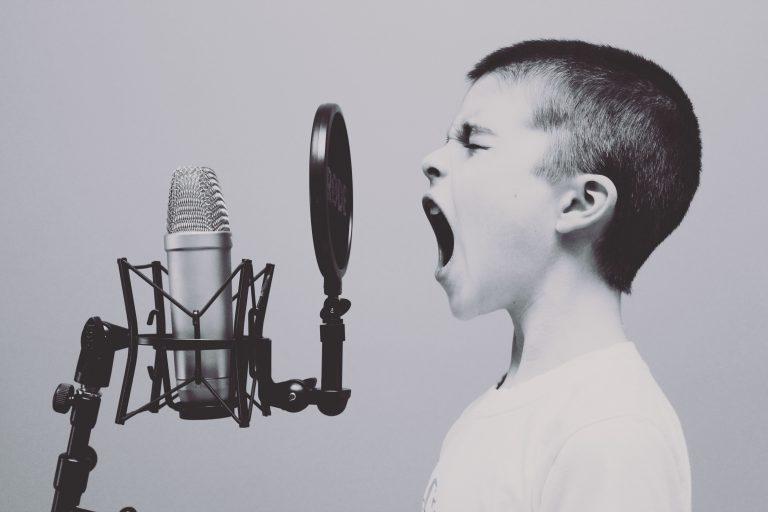boy screeming to microfon, Recruiters